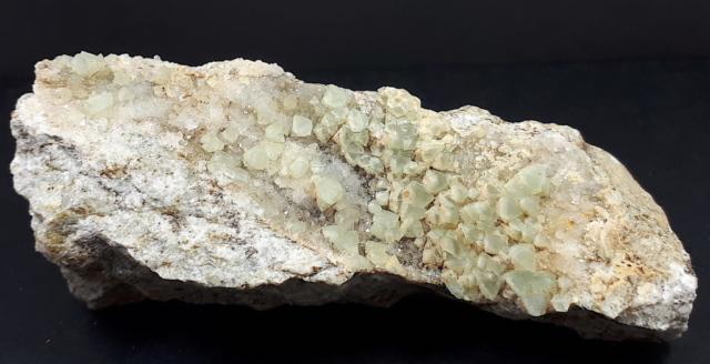 minerale alpino, piastrina di Fluorite verde su Quarzo - dimensioni 10x4x3 cm