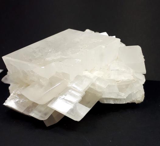 grosso campione di calcite dimensioni 14x7x6 cm - località Morfasso (PC)
